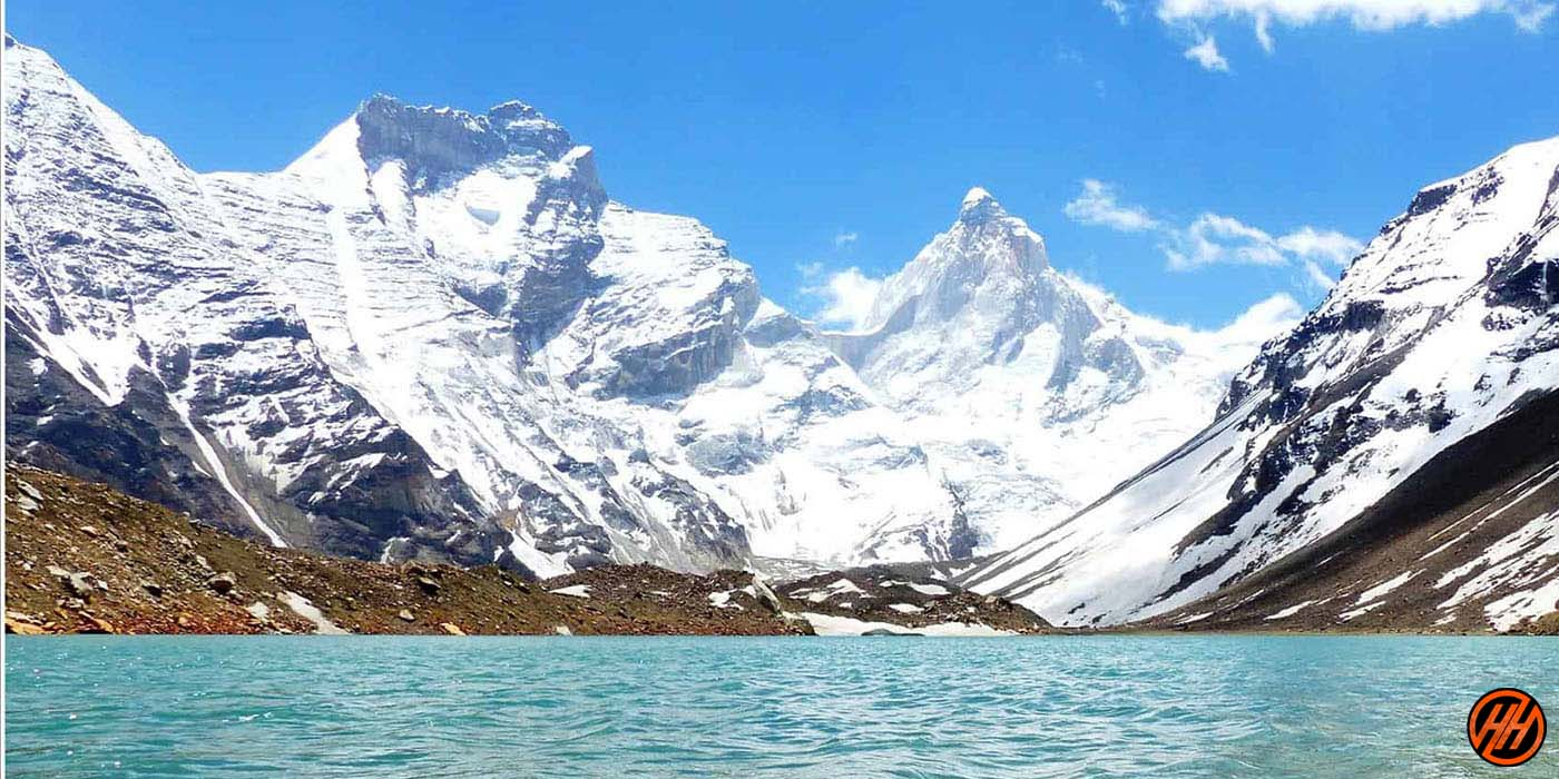 Snow montains in the Himalayas
