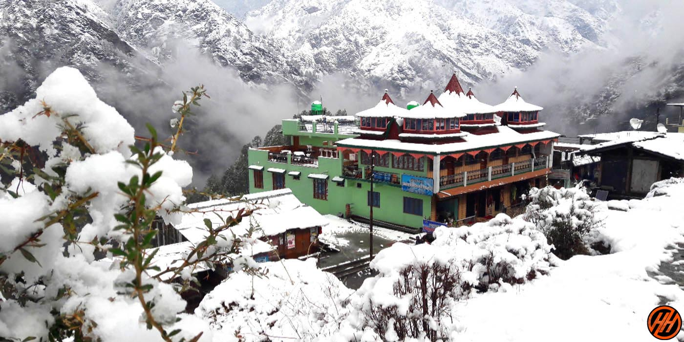 Swargarohini Hotel in the way of Dhumdhar Kandi Pass