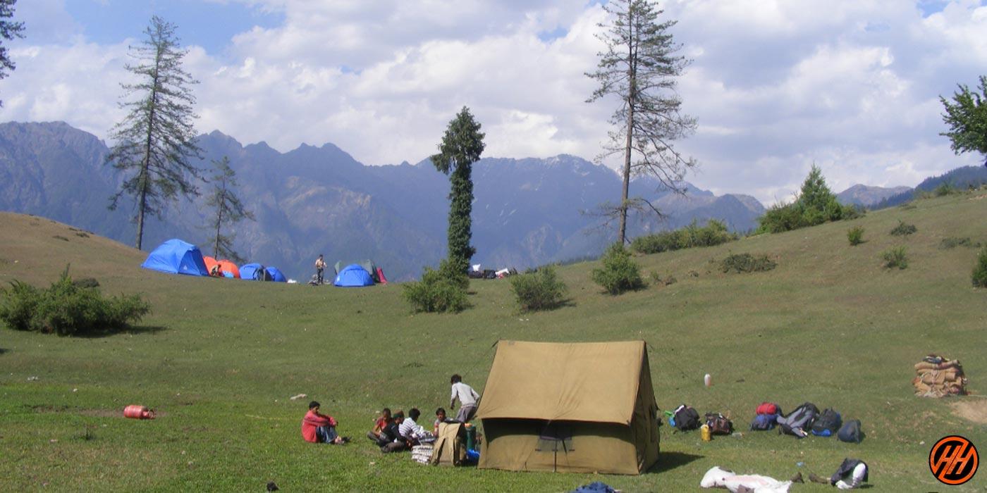 beautiful meadows in Kanasar Lake Trek