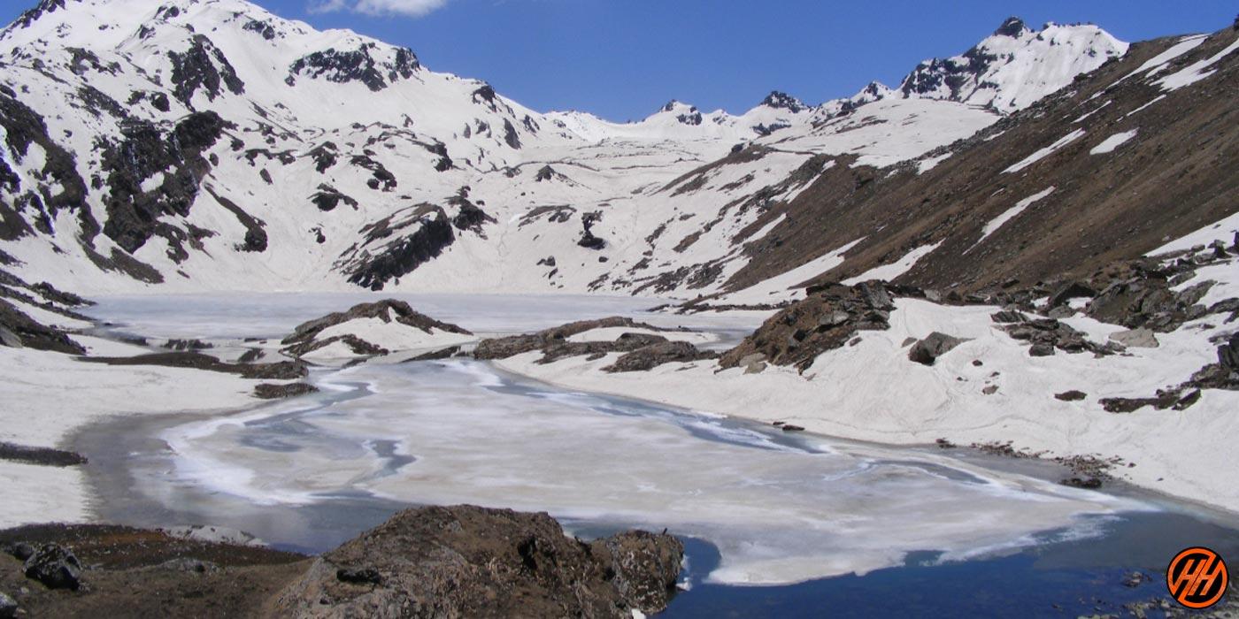 Beautiful mountains in Kanasar Lake Trek