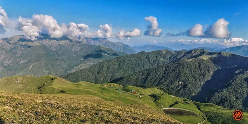 Amazing Green Mountains in Bedni Bugyal Trek