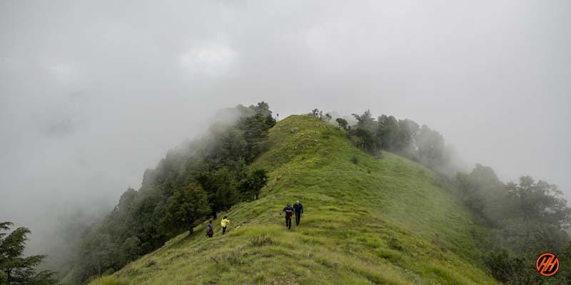 Green mountains in Devalsari Lumsu Top